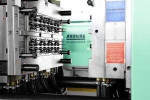 高端电动注塑机——64腔,4.5s